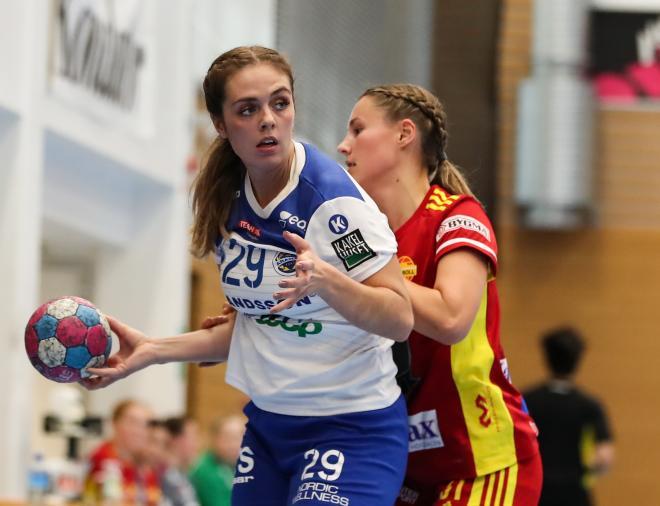 Alexandra Lundström fick det tufft i sin återkomst till Tyresöhallen.
