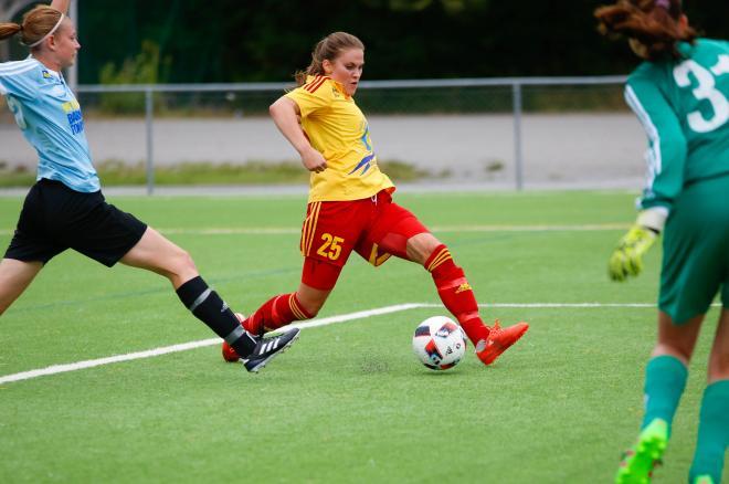 Sofie Thörnqvist på väg igenom.