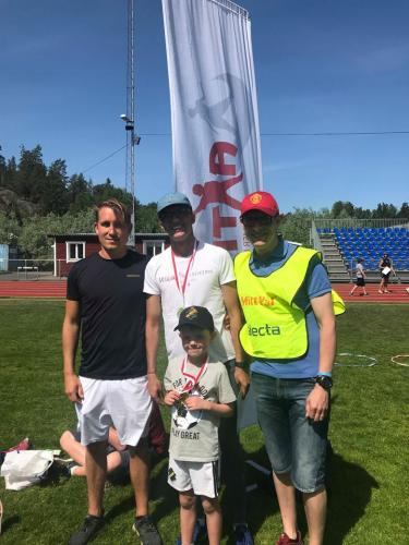 Axe Forsell, Johan Bogren, SImon och Andreas Månsson tillsammans under utmaningen!