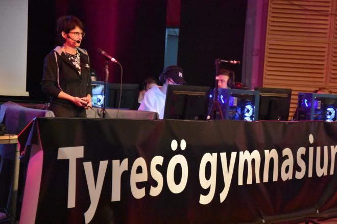 Rektorn Lena Beskow invigde E-sporteventet
