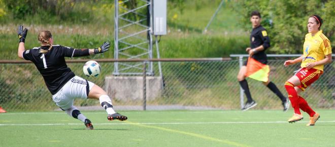 Madelaine Edlund dunkar in 2-0 till TFF