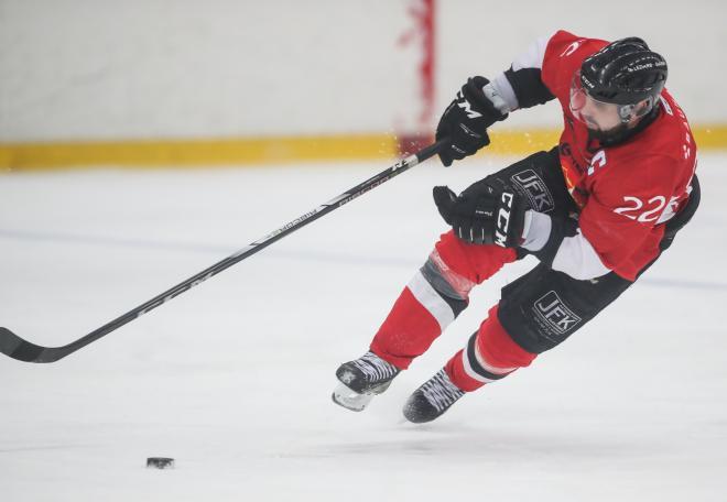 Axel Steen behöver ibland inte ens nudda isen.