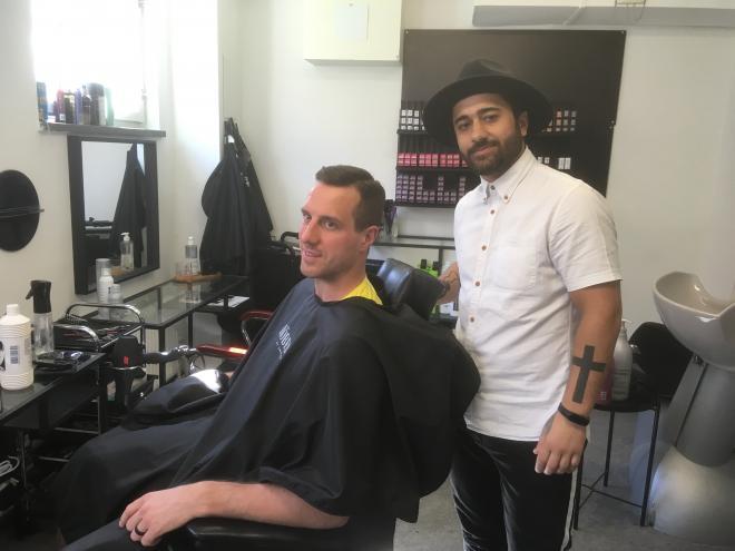Patrik Nemeth är mer än nöjd med sin frisyr.