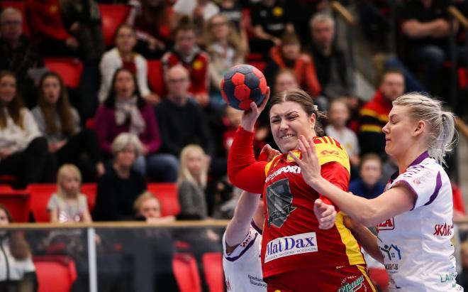 Johanna Hellgren. Frågan är om det finns starkare spelare än Hellgren på den här nivån.