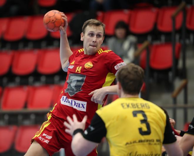 Jesper Johansson satte sju rungande skott och blev matchens bästa målskytt.