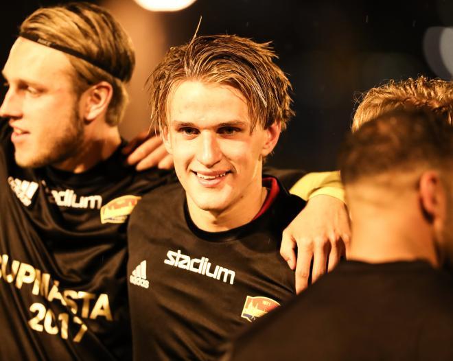 Johan Holmqvist sköt det avgörande 3-1 målet