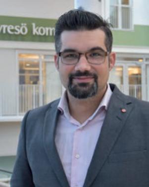Christoffer Holmström, socialdemokratisk ordförande i valnämnden i Tyresö församling.