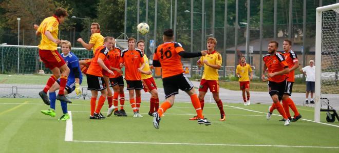 Micke Hammarsted nickar in 2-0 till TFF