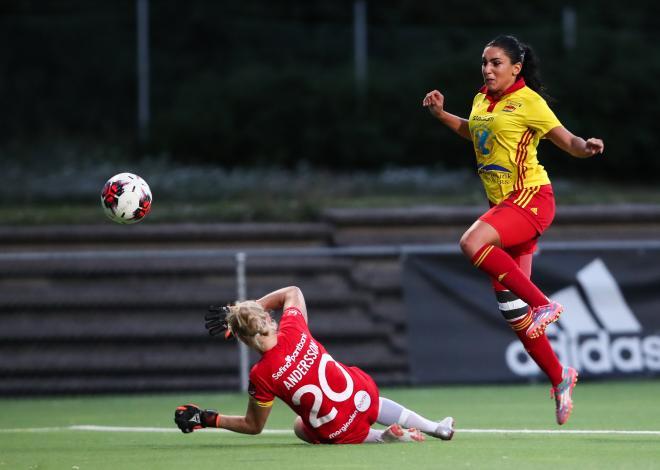 22 minuter in i Cupmatchen mot Hammarby förstörde Maria Poli festen för Bajenklacken.
