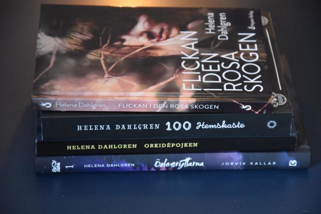Helena Dahlgrens tidigare boksläpp, snart kommer också de nya Ödesryttarna.