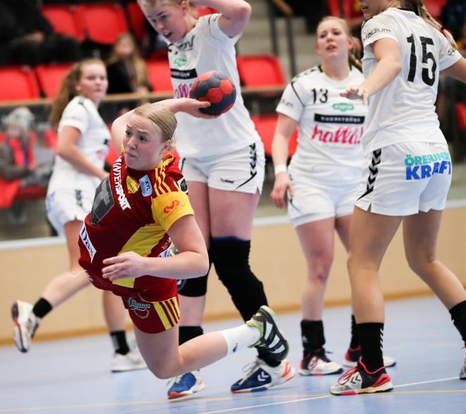 Madeleine Lindgren tog sig ofta igenom OV´s försvar