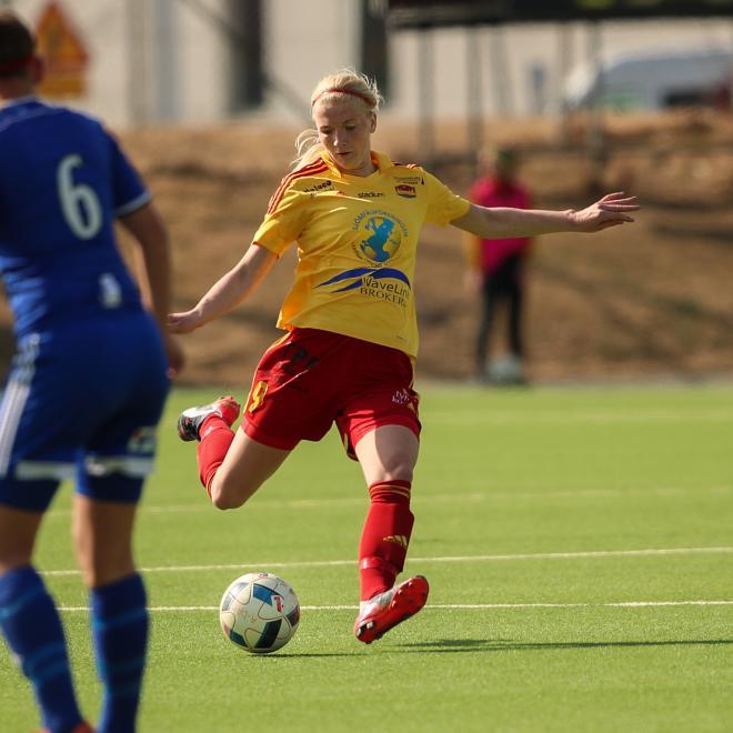 Linn Österholm gjorde som vanligt mål, men höll också rent i försvaret.