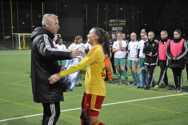 Sofie Thörnqvist tar emot priset för att helt enkelt har varit bäst.