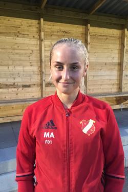 Madeleine Almlöf satte två strutar i matchen mot Skogås/Trångsund.