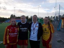 Caroline Sjöblom flankerad av från vänster Josefine Lindberg, Linn Axelsson och Frida Thörnqvist.