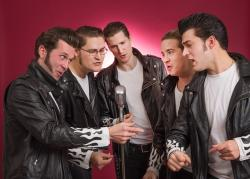 TT Grace, fr. vänster: Pontus Rönn (trummor), Martin Wallberg (Piano, sång), Max Wallberg (Bas, sång), André Fransson (gitarr, sång) och Dennis Quintero (leadsång, gitarr)