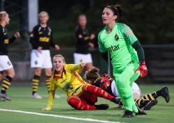 Frida Thörnqvist gör 1-0 mot AIK i Svenska Cupen